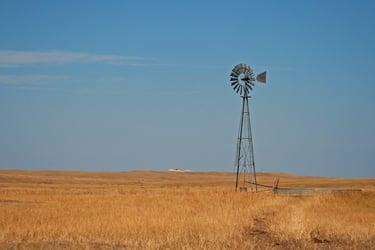Advantages of Distributed Wind Generation - aermotor turbine